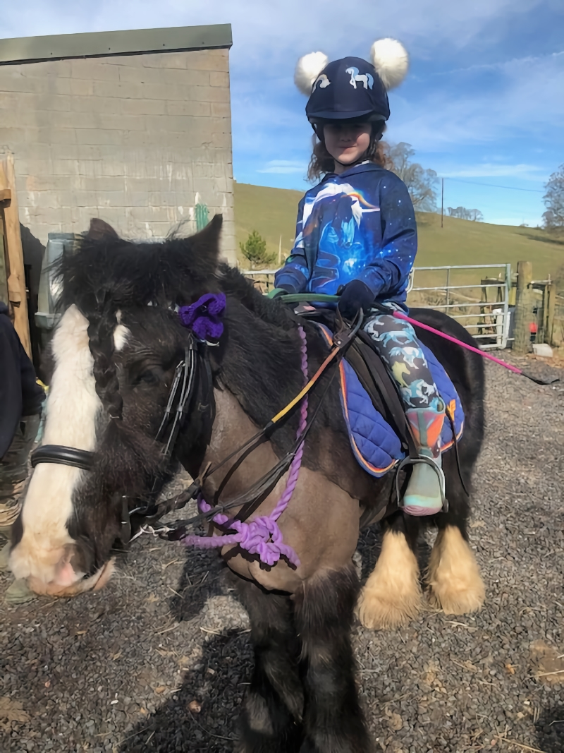Hannah and Blue sign up to Walk for War Horse